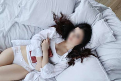 woman bed_144627 41880_1617008434